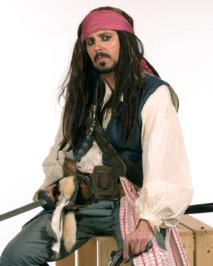 Jack Sparrow impersonator with parrots to entertain at a pirate party or special event