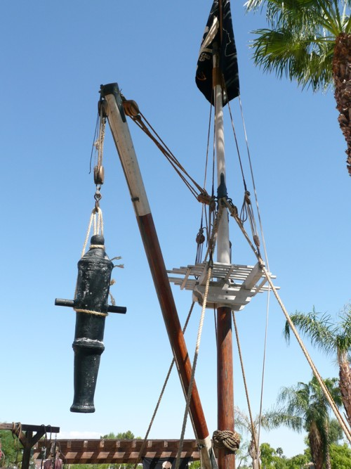 Pirate ship mast prop for rent