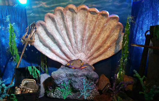 giant clam shell for rent and undersea themed props for rent